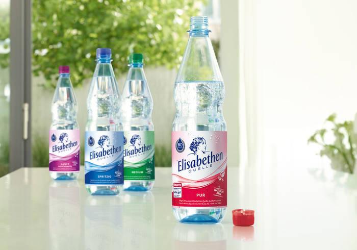 """Jeweils eine Flasche von jeder Sorte """"Natürliches Mineralwasser"""""""